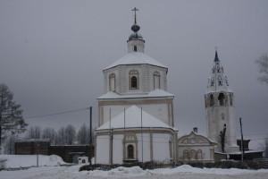 Успенский храм с колокольней накануне Рождества