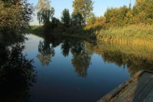 кто помнит меленький песочек, так называлось это детское купалище на реке Лух, тот учился здесь плавать