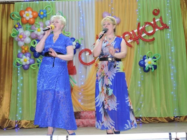 Праздничный концерт в Лухе 8 Марта2