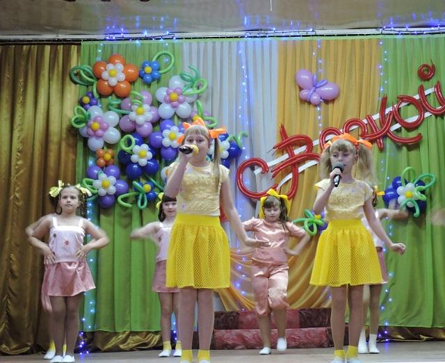 Праздничный концерт в Лухе 8 Марта4