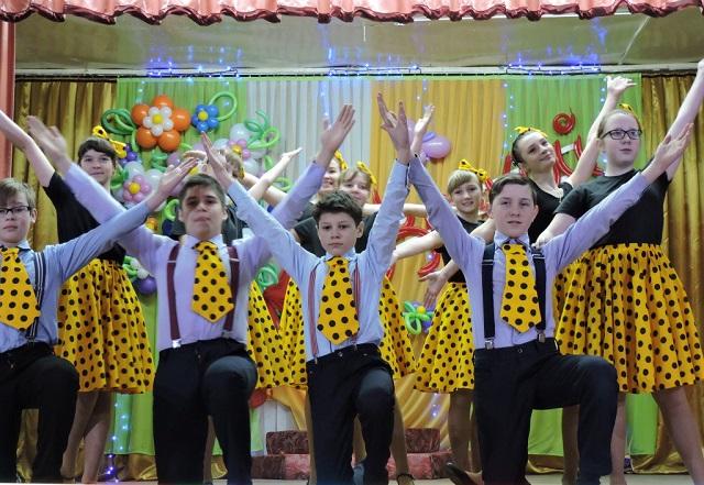 Праздничный концерт в Лухе 8 Марта6