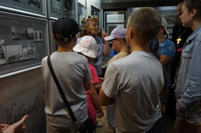 Школьники посетили Свято-Николо-Тихонов мужской монастырь в музее