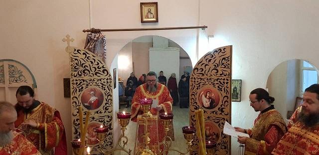 Епископ Иларион совершил Божественную литургию в Лухском благочинии1