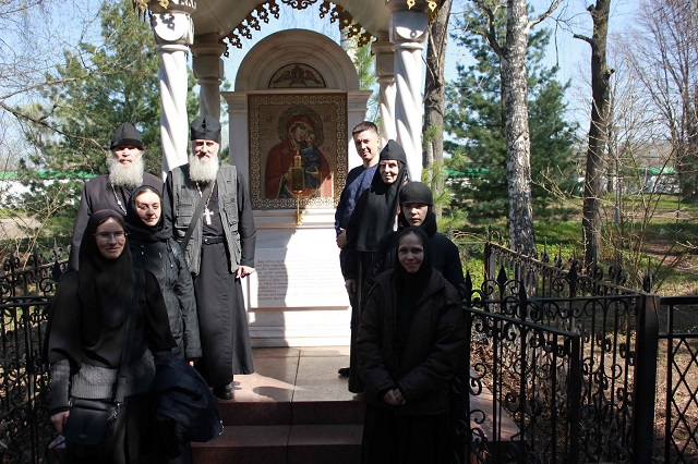 Паломничество в Свято-Введенский Толгский женский монастырь